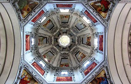 Kuppel Salzburger Dom innen