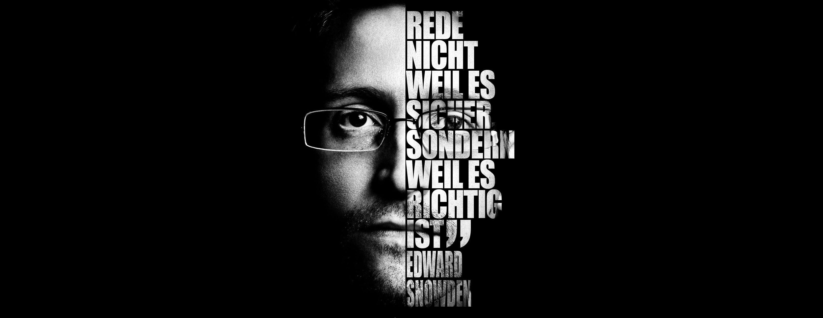 Schwarz-Weiß Bild von Edward Snowden mit Zitat